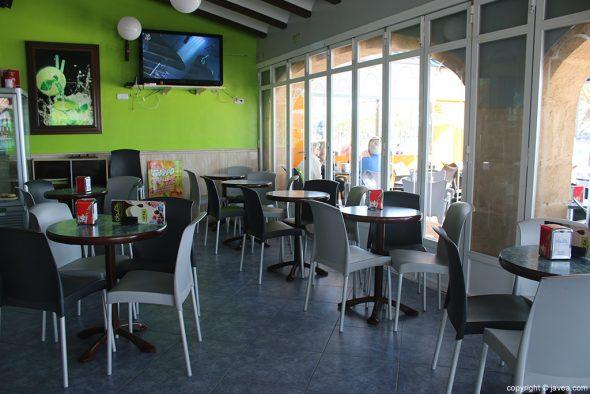 Mesas Heladería Cafetería Olas