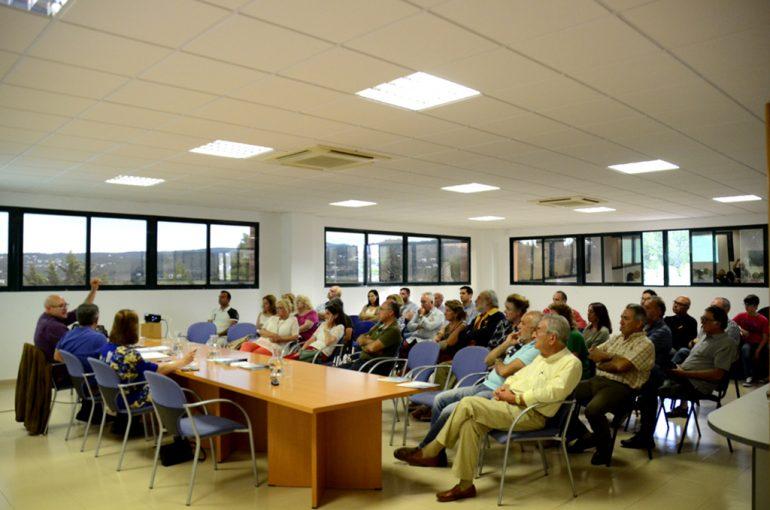Asistente a la reunión informativa del observatorio del agua