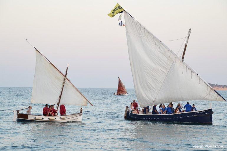 Barcos de época con tropas moras