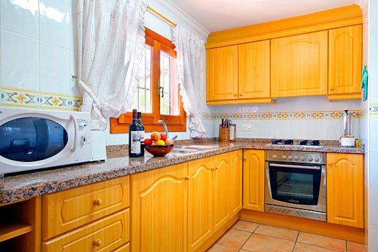 Cocina de la Casa Seniola Aguila Rent a Villa