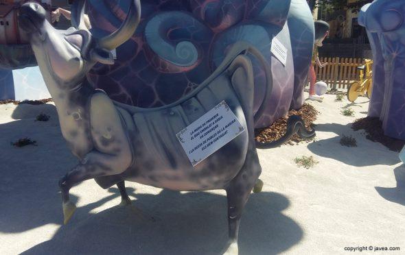 Critica prohibición del bou embolat