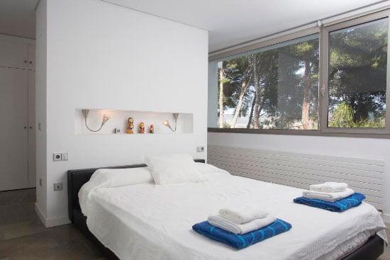 Dormitorio luminoso Aguila Rent a Villa