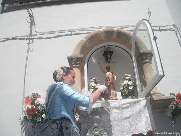 María Piles en la hornacina de la calle Teulería