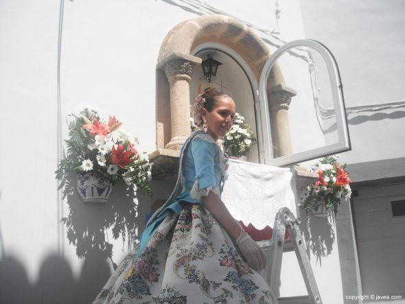 Presidenta infantil en la hornacina de la calle Teuleria