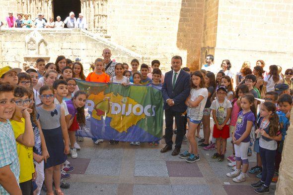 Recepción a la bandera dels Tradijocs en Xàbia