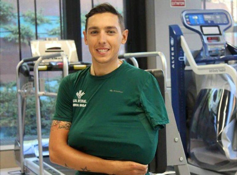 Toni Molina sonriente tras su operación