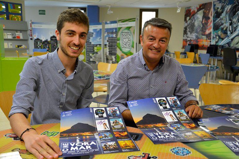 Ximo Segarra y José Chulbi presentando el Cine Vora Mar