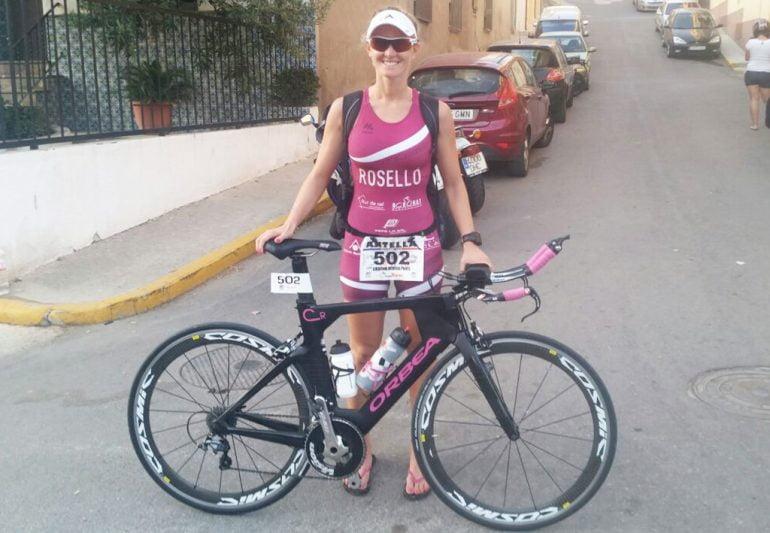 Cristina Roselló con su bicicleta