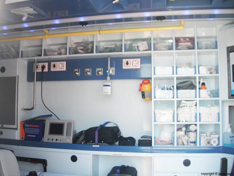 Completo equipamiento de la nueva ambulancía