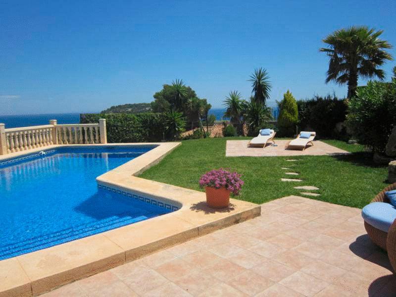 Jard n de la vivienda casa nova villas j x for Jardin de la villa