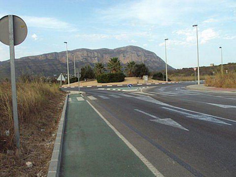 Rotonda en la carretera que une Xàbia con Gata de Gorgos