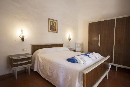 Dormitorio de la casa marques aguila Rent a Villas