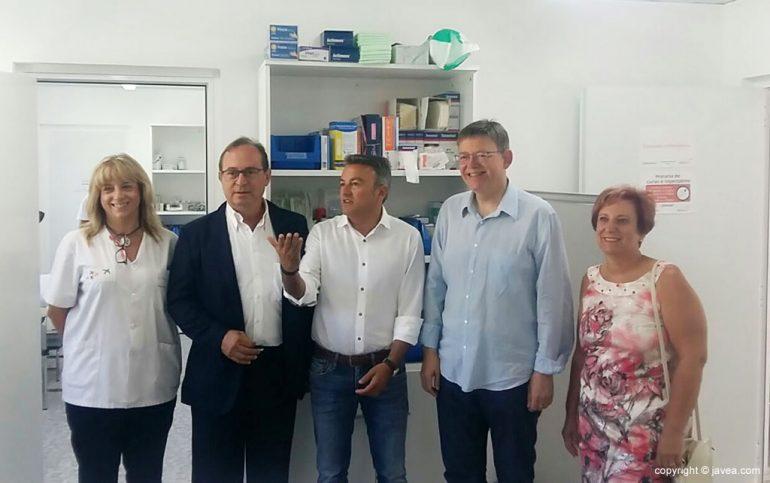 Ximo Puig en el consultorio médico del Arenal