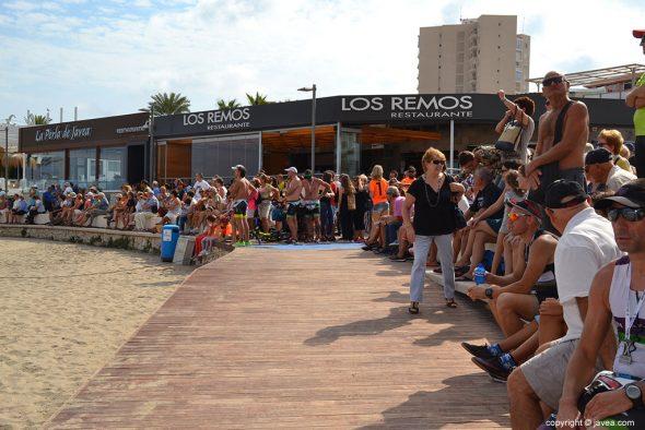 Ambiente en la playa del Arenal