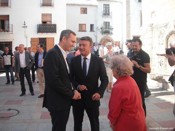 César Sánchez y José Chulvi en el Ayuntamiento de Xàbia
