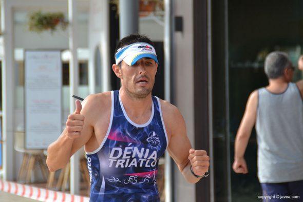David Ribes corriendo