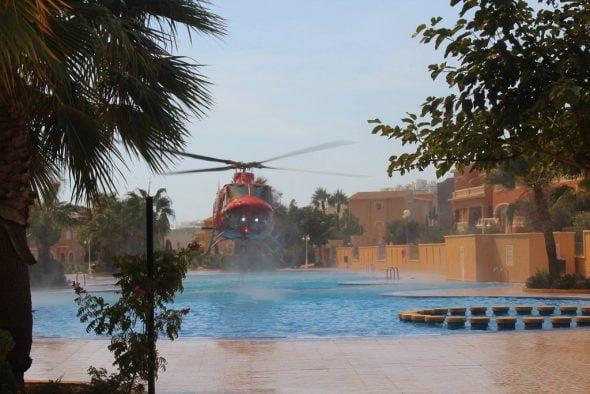 Helicóptero cargando