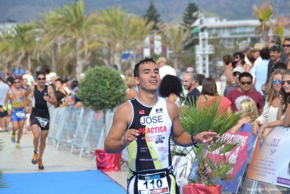José Antonio Albi entrando en meta