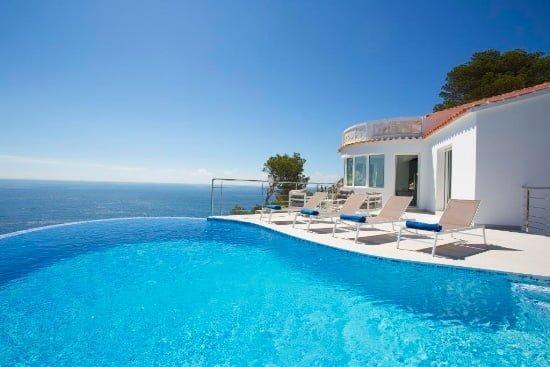 Magnífica piscina sueño azul Aguila renta a villa