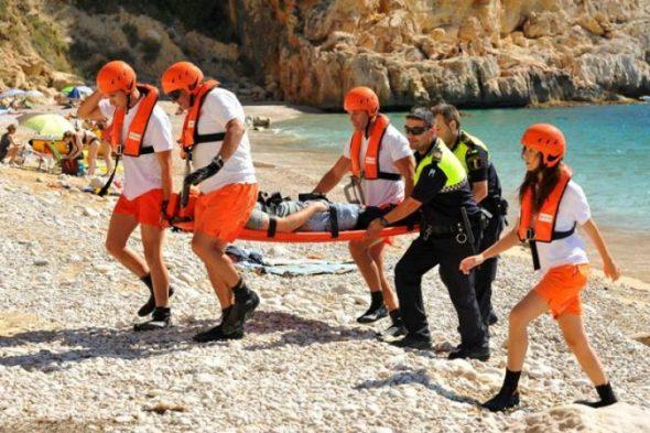SVS asiste en la playa del Moraig