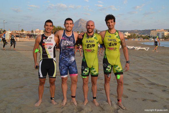 Triatletas de Xàbia y Dénia