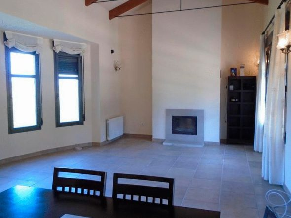 Chimenea de la casa - Casa Nova Villas Inmobiliaria