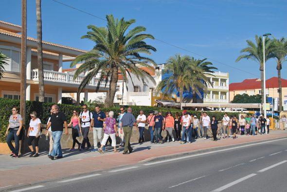 100 personas participaron en la marcha