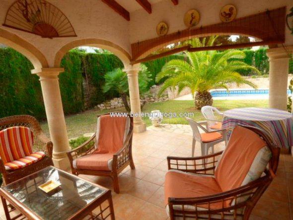 Terraza cubierta de la casa Belen-Quiroga