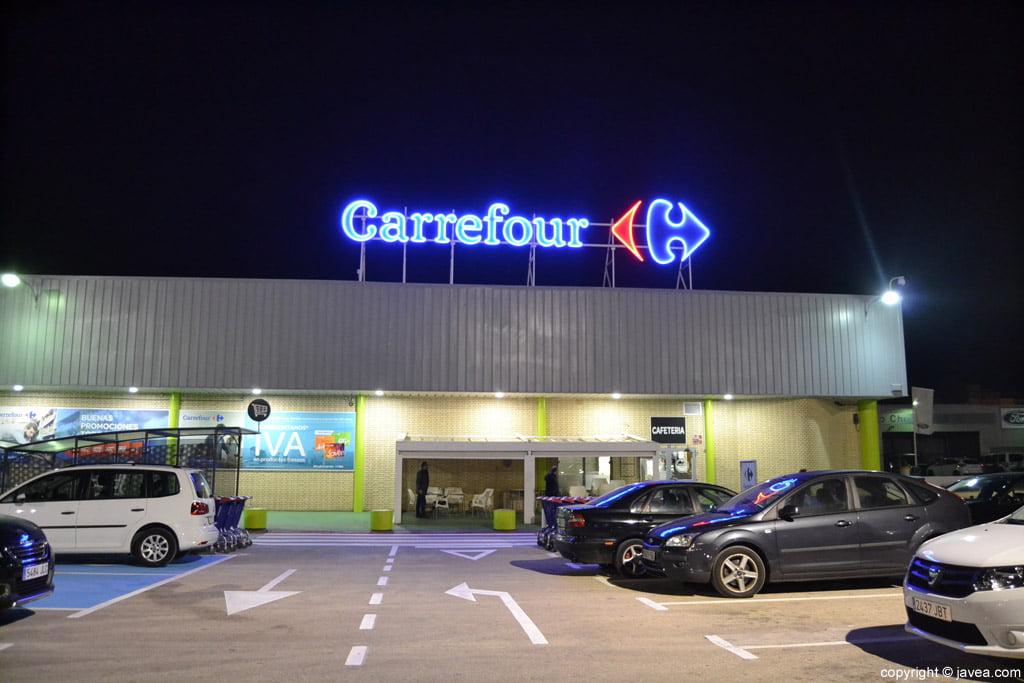 Carrefour abre sus puertas en d nia j x for Piscinas en carrefour 2017