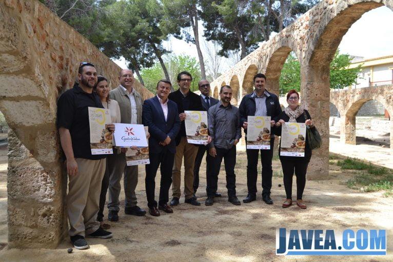 Presentación de la I Fira de Coques de Xàbia en el Riu Rau d'Arnauda 2