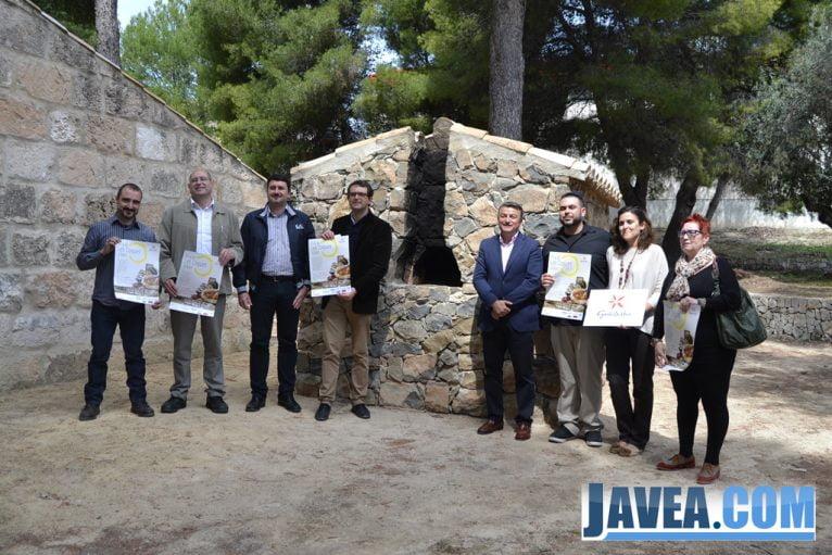 Presentación de la I Fira de Coques de Xàbia en el Riu Rau d'Arnauda