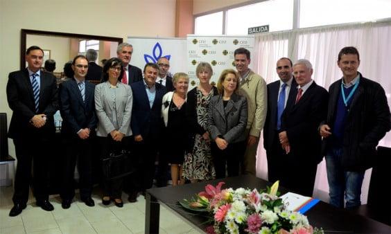 Firma de convenio entre Javea Cancer Care y la UCH-Ceu