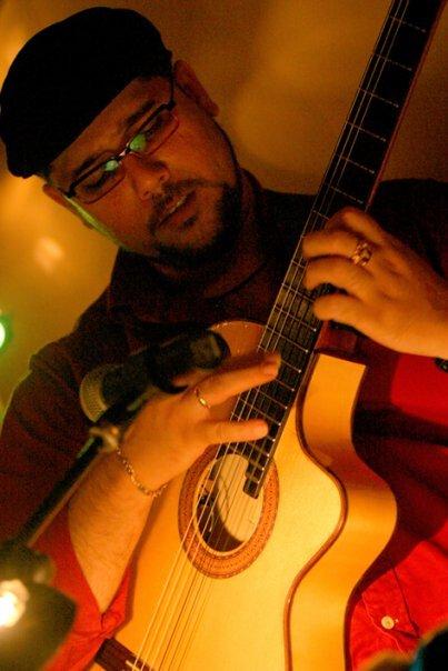 Inti Cardoso, concierto en Coco Beach Jávea