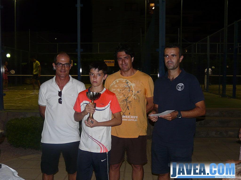 Rodrigo Mendez fue subcampeón Alevín Tenis