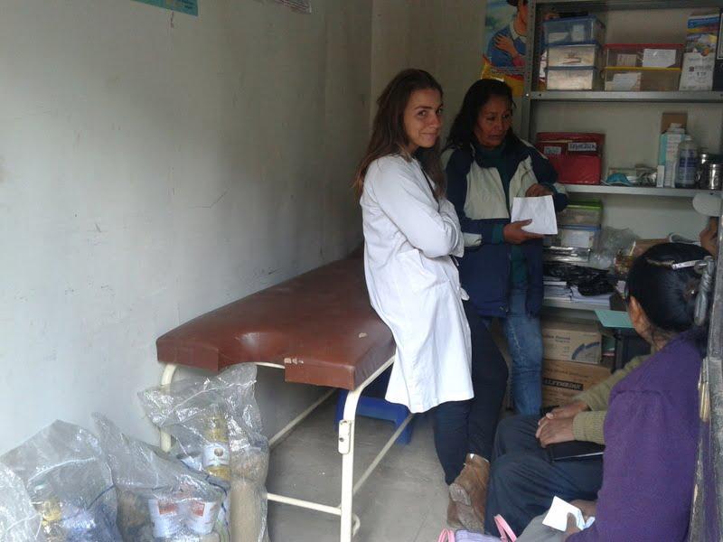 La compañera de Rosana en la consulta del médico