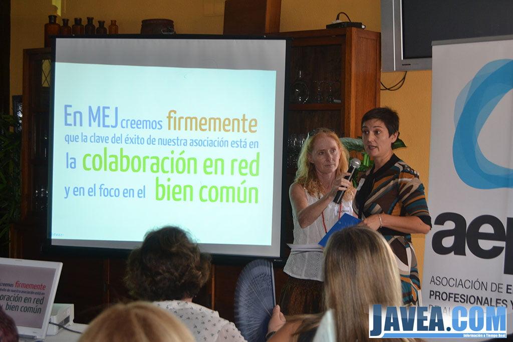 Miembros del comité de coordinación presentando el decálogo de MEJ