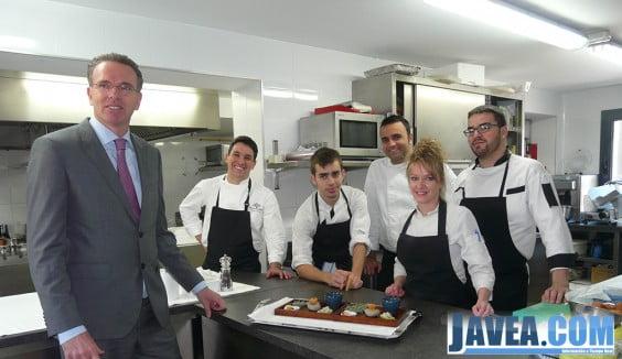 Pablo Catalá y Alberto Ferrúz con parte de su equipo