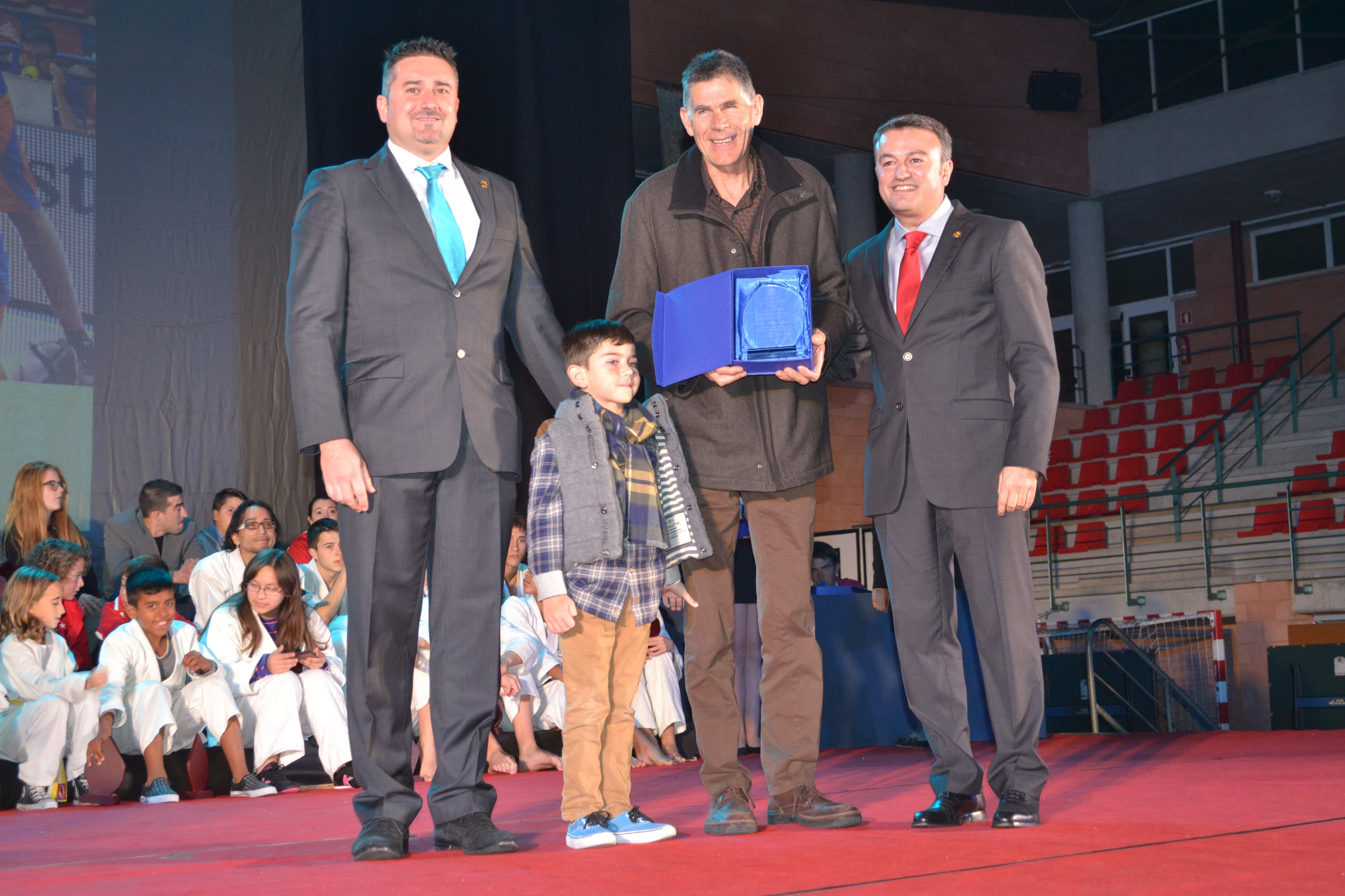 Bartolome Bas recogió el premio de su hijo Romà