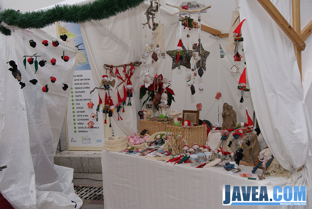 Decoración de Navidad en la feria de Jávea.