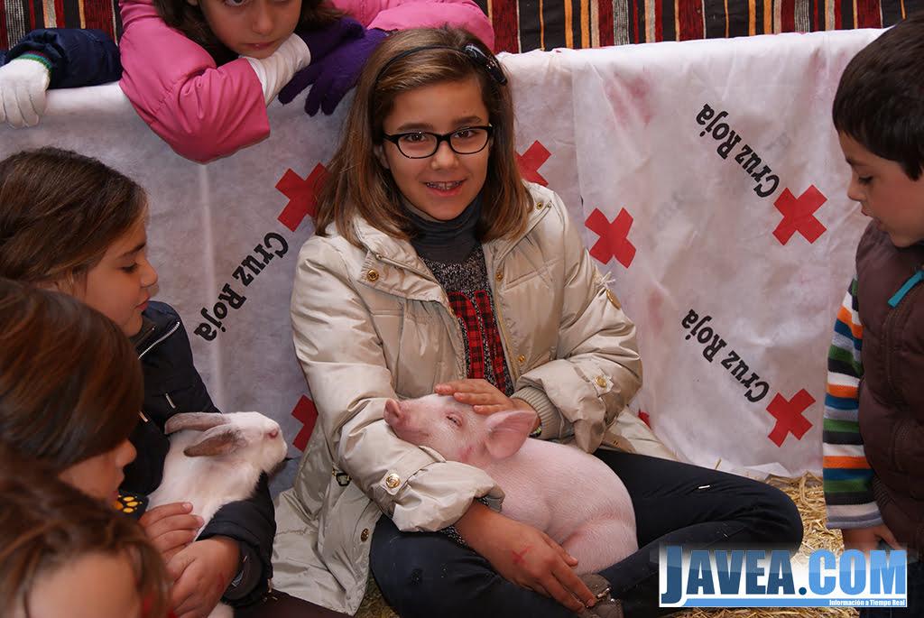 Stand de la Cruz Roja de Jávea en la feria de Navidad