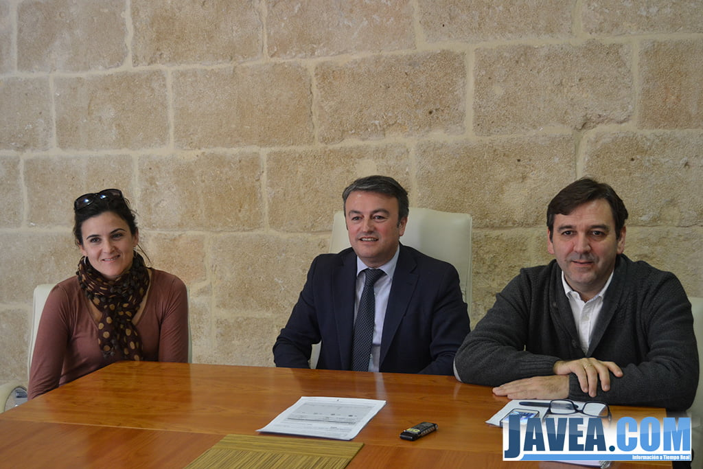 Antonio Miragall, José Chulvi y Carol Cholbi en el balance de Fitur