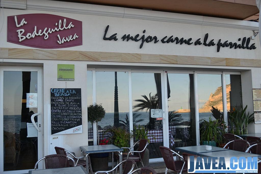 Bar La Bodeguilla en el Puerto de Jávea a primera línea de la Playa La Grava