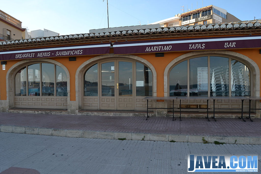 Bar Marítimo en Jávea se encuentra a primera línea de la Playa La Grava