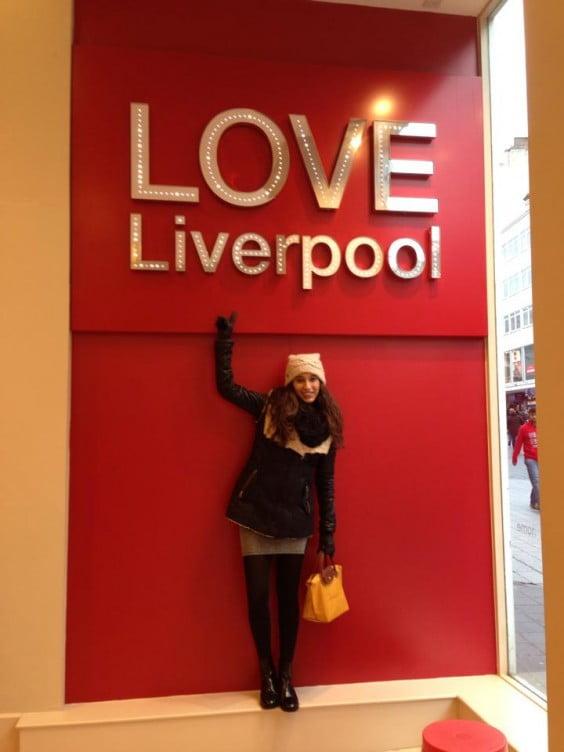 Elvira Pons hace dos años y cuatro meses que está en Liverpool y por el momento no tiene pensado volver