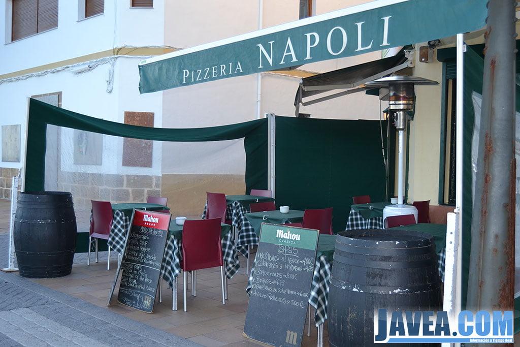 Pizzeria Napoli en Jávea en primera línea de la Playa La Grava