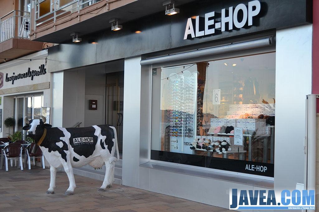 Tienda Alehop a primera línea de la Playa La Grava