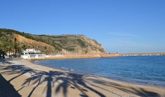 Playa La Grava en el Puerto de Jávea