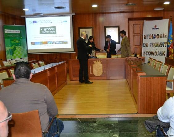 El proyecto Green Commerce se ha presenado en el salón de plenos del Ayuntamiento de Jávea