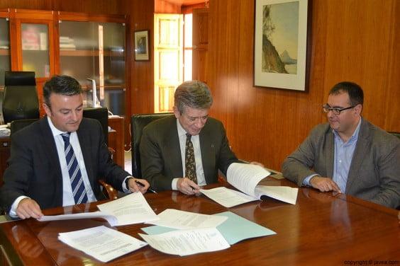 Firma del convenio con la Fundación Europea de la Sociedad de la Información