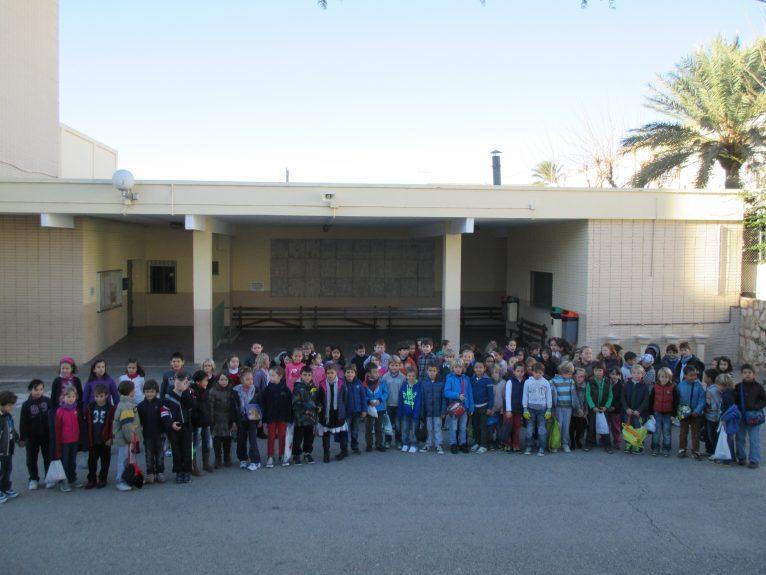 Los alumnos de primaria del Colegio Arenal y del Vicente Tena se han unido para celebrar el día de la paz